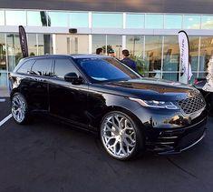 Range Rover Velar на дисках Giovanna Nove FF в размере R26 — Заказать такие диски Вы можете в нашем магазине. По все вопросам обращайтесь в Директ либо: +38(050)4533399 WHEELS-PRO.COM.UA wheelspro.ua@gmail.com Доступна доставка по странам СНГ. — @wheelspro_ua @giovannawheels @giovanna #giovannawheels #noveff #nove — #velar #luxurysuv #landroverclub #ренджровер #лендровер #велар #r26 #rr #suv #детейлинг #тюнингателье #дискишины #диски #suvporn - wheelspro_ua