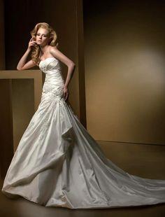 Chic Flat Ruffle Applique Fastener Bodice Satin Court Train Wedding Dress