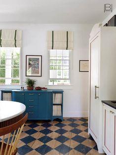 Beata Heuman does Nantucket Beata Heuman, Nantucket Home, Country Kitchen Designs, Interior Design Companies, The Ranch, Decoration, Interior Inspiration, Kitchen Inspiration, Kitchen Ideas