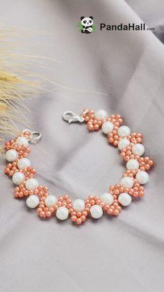 Präsentieren Sie noch heute ein handgemachtes Armband. Wir haben einige Materialien verwendet: Perlen und Rocaille-Perlen. Klicken Sie auf den Link, um die Details anzuzeigen. #PandaHall #dePandaHall #perlen #perlen #schmuck #schmuckherstellung #diamaterialien #handgemacht #perlenstickerei #handgemacht #Armband #Fashion