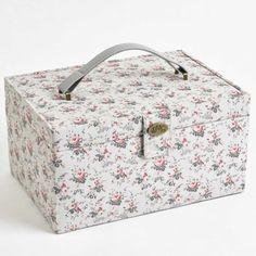 Scatola con cassettino estraibile - Little Roses da DMC - Accessori e Merceria - Ricamo - Casa Cenina
