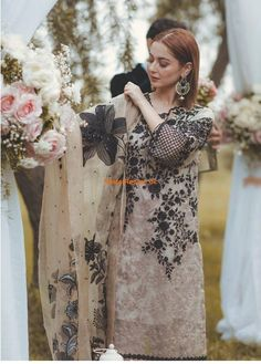 RANG RASIYALight Party Wear And Formal Wear at Retail and whole sale prices at Pakistan's Biggest Replica Online Store Shadi Dresses, Pakistani Formal Dresses, Pakistani Dress Design, Pakistani Outfits, Indian Dresses, Stylish Dress Designs, Stylish Dresses For Girls, Simple Dresses, Casual Dresses