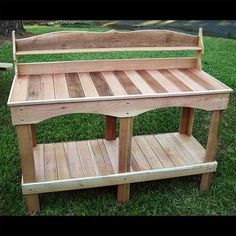 There are various ways in which you can make you garden a beautiful place, more importantly you can make it a comfortable place for yourself. The use of pallet wood to make a stylish bench that is both a bench and a cabinet to place any flower pots on it to make it look beautifully fancy.