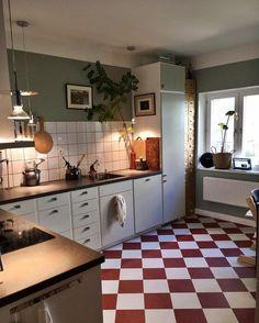 60 Neutral Traditional Decor Style To Inspire - Luxury Interior Design Interior Design Plants, Luxury Interior Design, Home Interior, Kitchen Interior, Loft Kitchen, Kitchen Tiles, Kitchen Dining, Kitchen Cabinets, Kitchen Soffit
