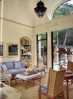 David Easton ~ sunroom in Dallas Family Rooms, Living Rooms, Beautiful Interiors, Beautiful Homes, Outdoor Rooms, Outdoor Furniture Sets, Three Season Room, Fantasy Rooms, Under The Table