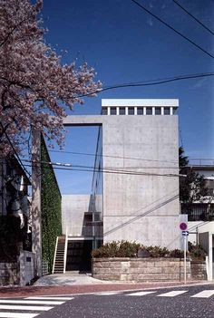 HOUSE FOR A DENTIST/デンティストの家 Tokyo, Japan 1994