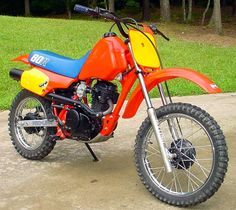 Front view of a Honda XR 80  #LetsGetWordy #earningamotorcy