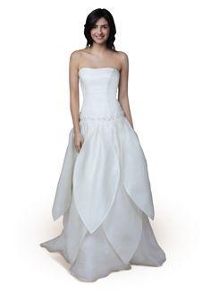 claraluna-2014-collezione-white-carpet-abito-da-sposa-floreale-in-garza-di-seta-e-lino.png (412×573)