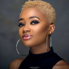 Be brown.bold and beautiful! Afro Blonde, Blonde Natural Hair, Tapered Natural Hair, Short Natural Styles, Short Natural Haircuts, Twa Haircuts, Twa Hairstyles, Black Hairstyles, Black And Blonde