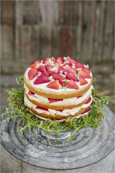 strawberry wedding cake by Mai Fink