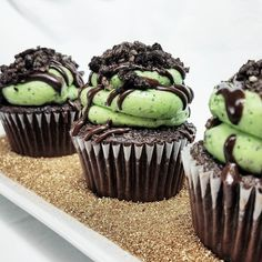 What better way to get ready for Patty's Day than with these delicious green Grasshopper cupcakes? Chocolate cake mint buttercream swirl drizzled in a chocolate ganache and topped with an Oreo cookie crumble  #mysugarrush #pin