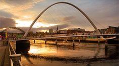 Wer einen spannenden Städteurlaub mit viel nördlichem Charme erleben möchte, bekommt das an den Ufern des Flusses Tyne im Doppelpack. In die freundlichen Städte Newcastle und Gateshead muss man sich einfach verlieben!