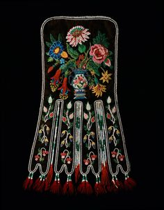 Metis Fire Bag (aka octopus pouch) - side A - traditionally worn tucked under folds of sash or using a shoulder strap Native Beadwork, Native American Beadwork, Native American Fashion, Native American Art, Beaded Embroidery, Embroidery Patterns, Octopus Crafts, Beaded Moccasins, Ribbon Work