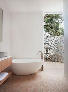 Home Interior, Interior Architecture, Interior Modern, Bathroom Interior, Interior Ideas, Agricultural Buildings, Hm Home, Ocean House, Beach House