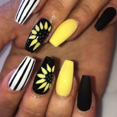 Not one of my designs.but I love her Summer time nails🌻 - Summer Nail Ideen Acrylic Nails Coffin Glitter, Classy Acrylic Nails, Long Square Acrylic Nails, Almond Acrylic Nails, Summer Acrylic Nails, Best Acrylic Nails, Acrylic Nail Designs, Marble Nails, Nail Swag