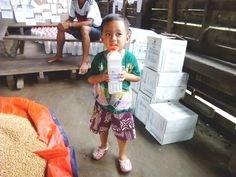 One month following devastating floods and landslides in Myanmar, here is how WFP is helping 455,000 people impacted. (15 September 2015, Photo: WFP/Johnny)