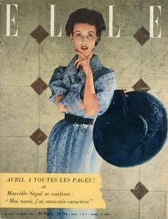 Elle n°433 du 29 mars 1954, robe-chemisier de Christian Dior dans , photo Lionel Kazan