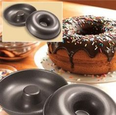 Giant Donut Cake Pan - Bake a delicious donut cake that you can decorate… New Birthday Cake, Donut Birthday Parties, Donut Party, Doughnut Cake, Delicious Donuts, Baking Supplies, Occasion Cakes, Creative Cakes, Cake Pans