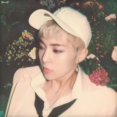 Image uploaded by ℛ 𝓞 𝓢 𝓔́. Find images and videos about kpop, exo and baekhyun on We Heart It - the app to get lost in what you love. Baekhyun, Kim Minseok Exo, Exo Ot12, Park Chanyeol, Kris Wu, Xiuchen, Kim Min Seok, Exo Members, Exo K