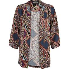 The US needs to catch up on this Kimono trend.. in LOVE.