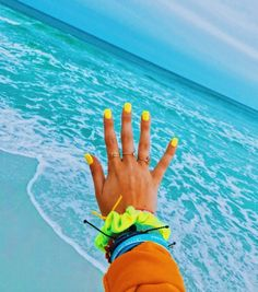 Ocean blue water with cuteee pura vidas cute summer nails, n Cute Summer Nails, Summer Fun, Hair And Nails, My Nails, I Need Vitamin Sea, Super Nails, Summer Aesthetic, Summer Pictures, Mellow Yellow