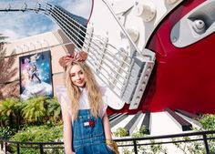 Sabrina Carpenter in Disney Land 2017. // @sabaribello