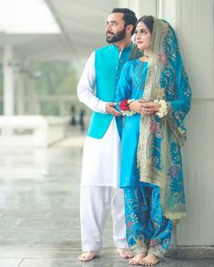 Image may contain: 2 people, people standing Simple Pakistani Dresses, Pakistani Wedding Outfits, Pakistani Wedding Dresses, Pakistani Dress Design, Bridal Outfits, Nikkah Dress, Bridal Mehndi Dresses, Bridal Dress Design, Shadi Dresses