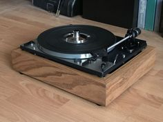 Platine Vinyle Audiophile, Turntable Setup, Music Composers, The Originals, Platter, Board, Liberty, Motorcycles, German
