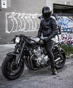 "Gefällt 4,083 Mal, 33 Kommentare - @menriderstyle auf Instagram: "" Or ? Photo by @asphaltandgravel Follow @menriderstyle for more inspiration #Menriderstyle"""