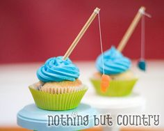 cute cuppies for a fishing/camping party, or father day......  and you could use pretzels instead wooden rods and swedish fish