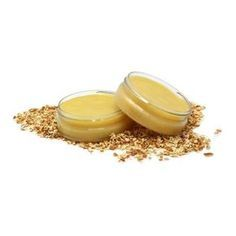Paso a paso de cómo hacer una Crema para después del afeitado, una crema sin alcohol que calmará la piel irritada.