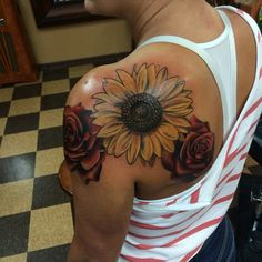Sunflower tattoo by Mike Campbell at clever rebel, federal way WA – Sonnenblumen Tattoo von Mike Campbell bei. Wolf Tattoos, Finger Tattoos, Up Tattoos, Time Tattoos, Body Art Tattoos, Sleeve Tattoos, Tattos, Feather Tattoos, Wrist Tattoos