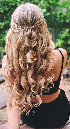 Dirty Blonde Luxy Hair Extensions ideas for prom Classic Dirty Blonde Clip-Ins - Down Curly Hairstyles, Trendy Hairstyles, Wedding Hairstyles, Night Hairstyles, Prom Hairstyles With Braids, Bridesmaid Hairstyles, Hairstyles For Dances, Updos With Braids, Semi Formal Hairstyles