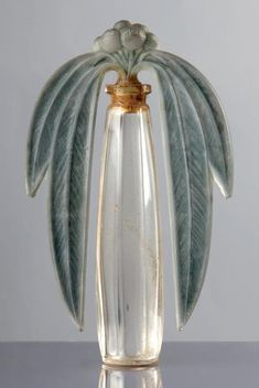 Moomin deco — Lalique home - maison - decoration - deco - interior design - salon - appartement - apartment - flat - living room - house - design - bohemia - boheme - recup - upcycling - kitchen - bedroom - scandinavian - scandinave / Lalique Perfume Bottle, Perfume Atomizer, Antique Perfume Bottles, Vintage Bottles, Art Nouveau, Perfumes Vintage, Jugendstil Design, Bijoux Art Deco, Beautiful Perfume