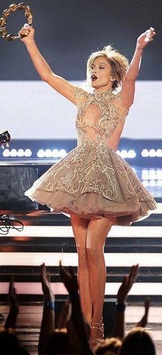 Jennifer Lopez in Mikael D performs on the season finale of 'American Idol'. #bestdressed