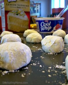 Low Fat Lemon Crinkles are a great dessert recipe! Only 2 Weight Watchers points and only 4 ingredients needed! (I bet these would be good with Devil's Food cake mix as well! Low Fat Desserts, Great Desserts, Dessert Recipes, Lime Desserts, French Desserts, Healthy Desserts, Delicious Desserts, Yummy Food, Diabetic Desserts