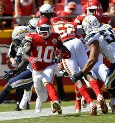 29d872186 Kansas City Chiefs punt returner Tyreek Hill picks up with