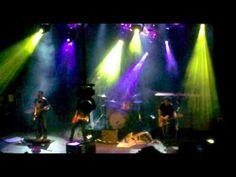 2011 08 07 Divididos en El Teatro de Flores   Sobrio a las piñas con el Tano Marciello y corte de luz