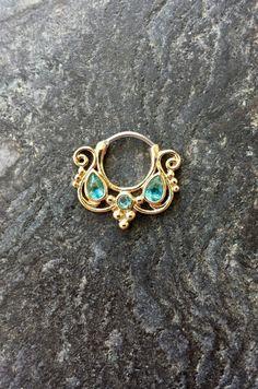 Hey, I found this really awesome Etsy listing at https://www.etsy.com/listing/248624700/16g-golden-aqua-goddess-septum-clicker