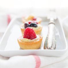 Mini crostatine alla frutta con crema pasticcera
