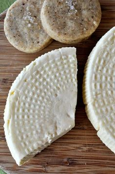 Cheesemaking Help, News and Information: Robiola Making Cheese At Home, How To Make Cheese, Cheese Shop, Milk And Cheese, Easy Homemade Recipes, Homemade Cheese, Cheese Recipes, Cooking Recipes, Cheese Cave
