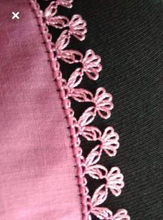 Crochet Chain, Knit Crochet, Hand Embroidery, Embroidery Designs, Knit Edge, Moda Emo, Knit Shoes, Quilted Table Runners, Lace Flowers