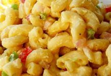 A colorful and flavorful macaroni salad made with hard cooked eggs, bell pepper and celery in a creamy dressing. Best macaroni salad I have ever had. I always get many requests for recipe. Healthy Pasta Salad, Easy Pasta Salad Recipe, Salad Recipes Video, Healthy Recipes, Great Recipes, Dinner Recipes, Cooking Recipes, Family Recipes, Favorite Recipes