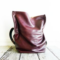 Image of parker leather messenger - black and kali chocolate [black IN STOCK. Kali MADE TO ORDER]