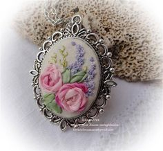 Wonderful Ribbon Embroidery Flowers by Hand Ideas. Enchanting Ribbon Embroidery Flowers by Hand Ideas. Ribbon Embroidery Tutorial, Fabric Embellishment, Silk Ribbon Embroidery, Hand Embroidery, Ribbon Art, Ribbon Crafts, Learn Embroidery, Embroidery Patterns, Embroidery Boutique