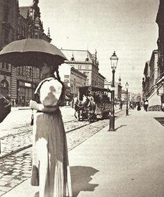 1890. Lóvasút a Kerepesi (ma Rákóczi) úton. Zoltán Szarka - Budapest régi képeken (329×395)