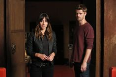 Chloe Bennett as (Agent Skye) and Luke Mitchell as (Lincoln Campbell) Season 2 Agents Of Shield Characters, Agents Of Shield Daisy, Agents Of Shield Seasons, Marvels Agents Of Shield, Lincoln Agents Of Shield, Luke Mitchell, Meet The Team, A Team, Lincoln Campbell