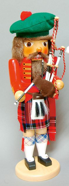 Scottish Bagpiper Nutcracker
