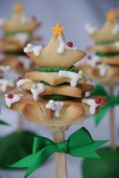 Christmas tree lollies tutorial from the Pink Whisk