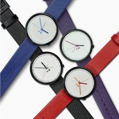 Minimalismi Temporali.  Denis Guidone e i suoi orologi minimal